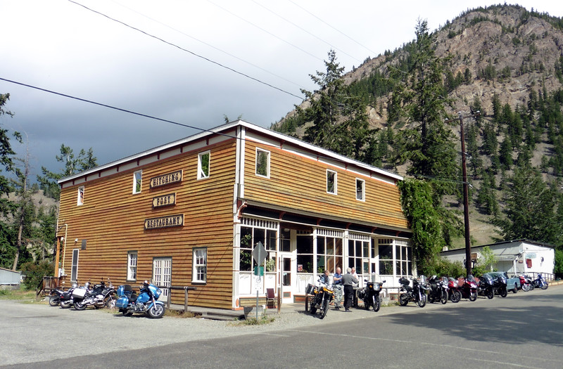 On May 29th, the Valley BMW Riders descended on the sleepy hamlet of Hedley for our monthly Brekkie ride.  The Hitching Post Restaurant was the venue as usual.  Rainy weather kept the numbers down this year.
