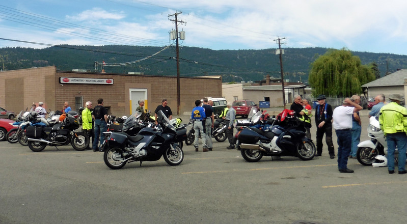 Sunday morning had the club gathering at the Grand Pub & Grill in Merritt for the June Breakfast ride.  We had about 30 people at the breakfast.  The Grand put on a Buffet this year.  I don't think anyone left hungry.