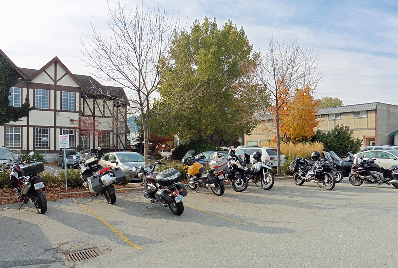 A good turnout of bikes in the parking lot in spite of the frosty morning.