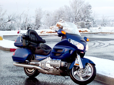 Riding in the snow - Austin 02-14-04