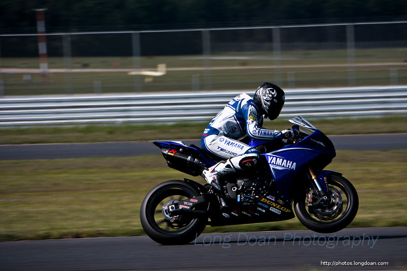 Josh Hayes in the first AMA SuperSport race at NJMP, September 2009