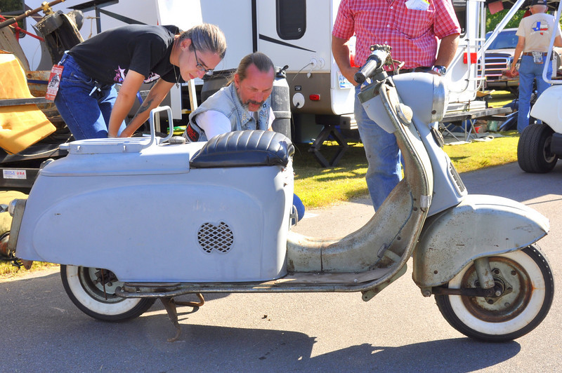 Ultra rare Silver Pigeon scooter in the swap meet