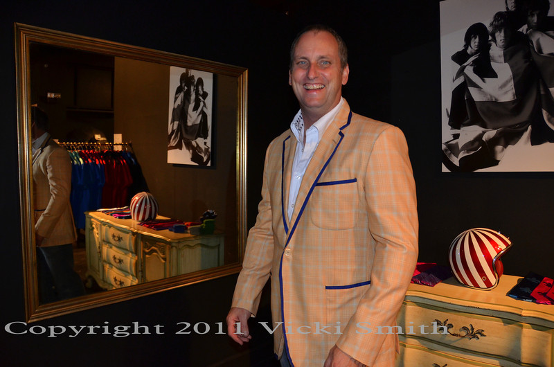 Even Rich wasn't immune to the call of Duncan's fabulous menswear (no, he did not buy a salmon colored jacket but we do have our eye on one that looks fantastic with jeans....