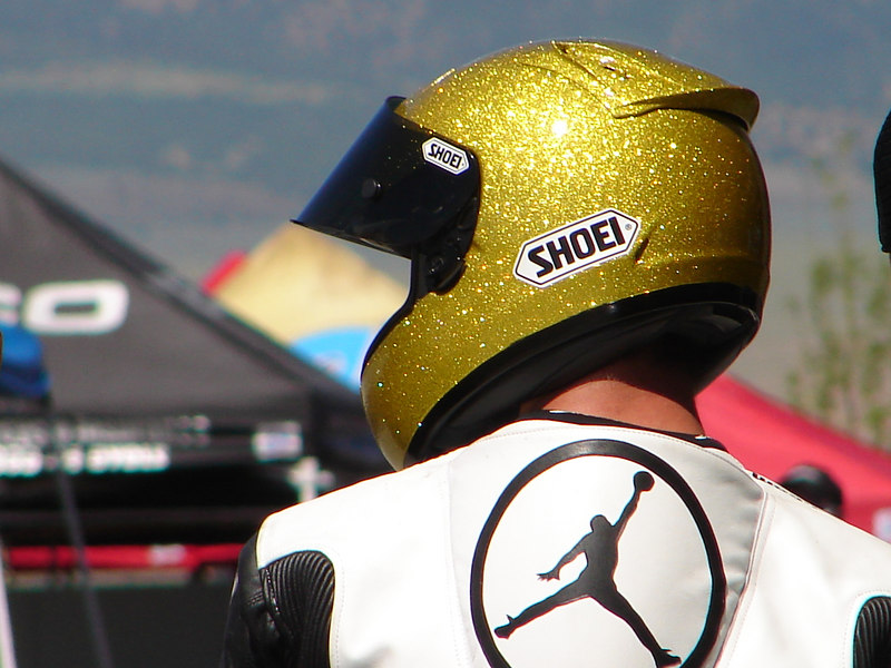 There is no way to describe how amazing this helmet was in the sun. It looked alive it sparkled so much....
