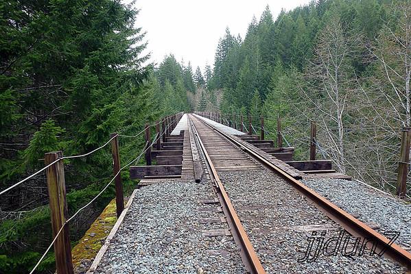 04-09-13 0ld log mill