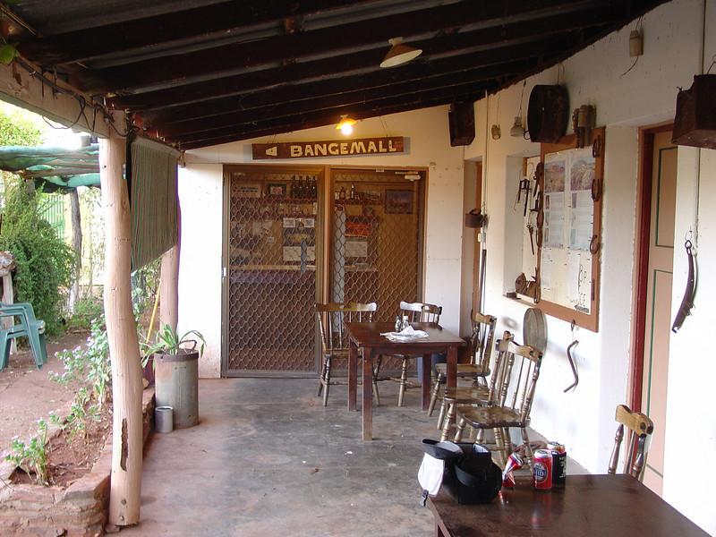 Cobra-Bangemall Inn