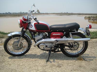 1968 Suzuki Laredo restoration project