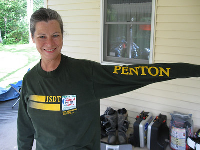 Momentumrocks shows off her Penton shirt.