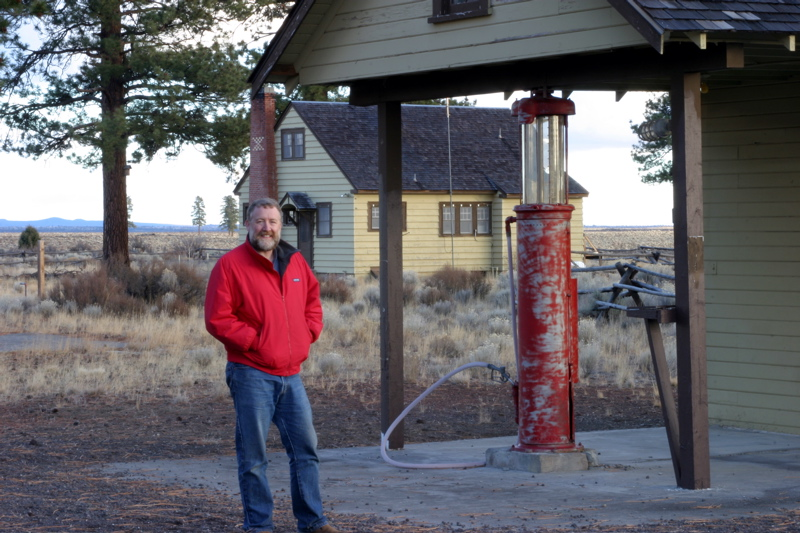 """<font size=""""+3"""">This is a place called """"Cabin Lake"""", it's an old `40's or `50's vintage forest service gaurd station.   Lot's of cool old buildings, but no lake at all.  The """"lake"""" is a reference to the ancient inland sea that used to end about here or so.. </font>"""