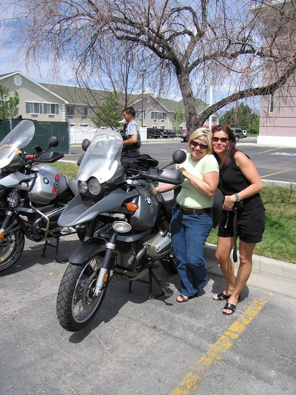 Two hot babes and my bike (chicks dig the beemers)
