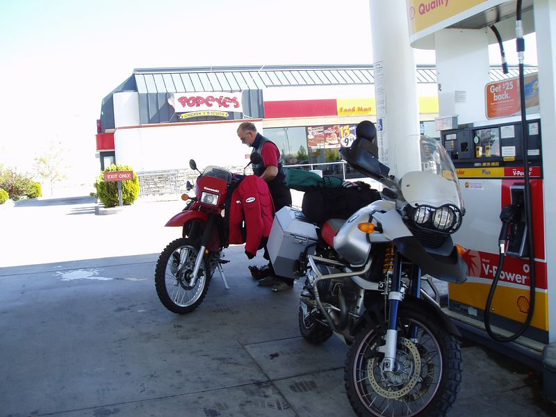 First gas stop outside Victorville. We missed the turn-off for the 395.