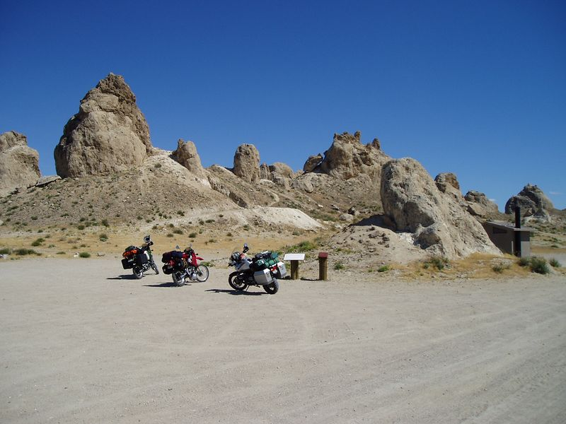 Here we are parked at the Pinnacles Paul and Jojo rode around a bit, I headed back to higher ground.