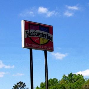 MTF Lunch @ Blackwater Inn, Astor, Fl. 3-11-05