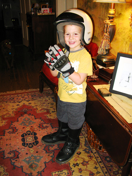 My yougest Nephew Trevor. He has the motorcycle fever.