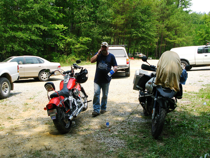 The day we were set to leave and ride the Tail of the Dragon, dan woke up to a flat tire. It'll have to wait.