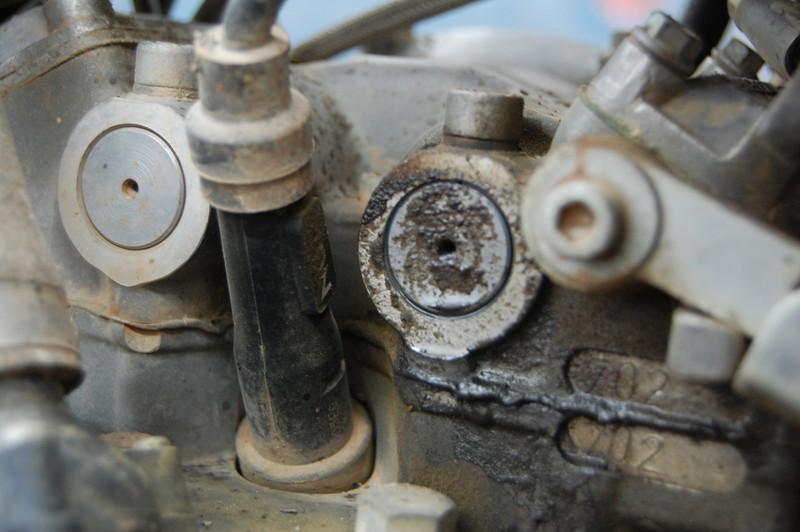 KTM 640 Adv Exhaust rocker shaft oil leak 30,000 kms