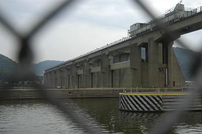 Locks and dam on the Ohio (near New Martinsville, WV; taken on the Ohio side)