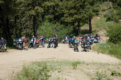 "After an hour or so of taking several wrong turns, my group came upon the main ""wave"" of riders."
