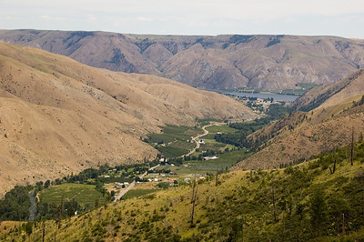 The Entiat river valley