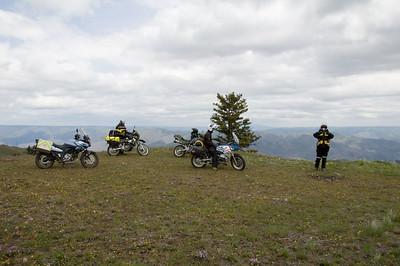 A photo op on the ridge.
