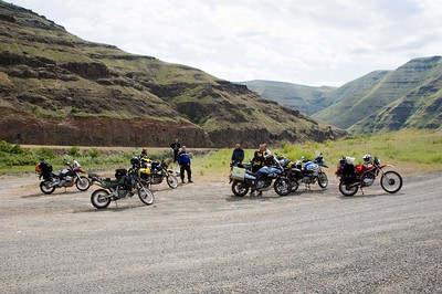 About 10 riders took the dirt route up Cold Springs road to the ridge overlooking the canyon.  This is just after crossing the Ronde Grande river bridge.