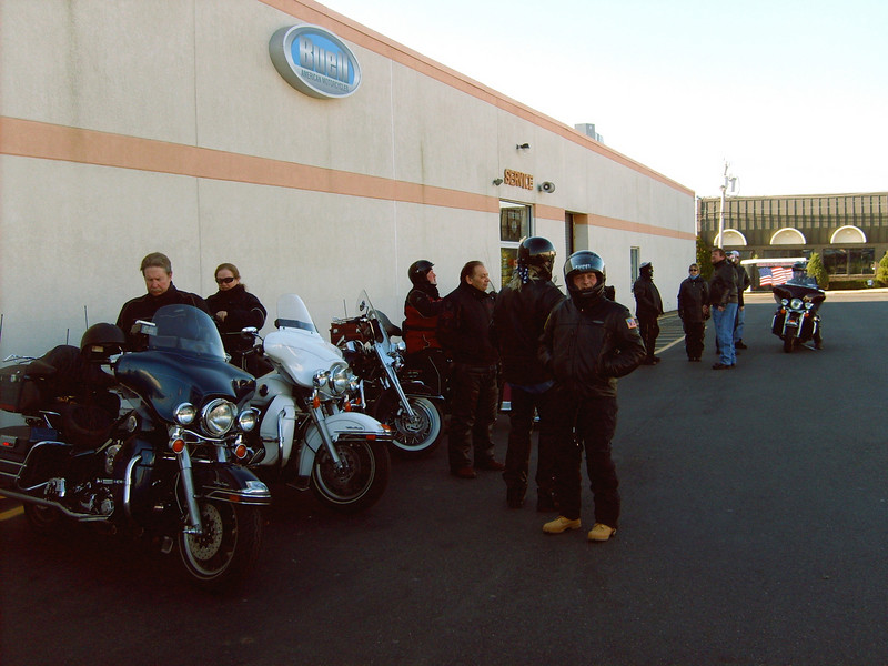 Nice crowd for a November ride.