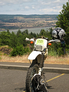 XR400 and Columbia River in the background.