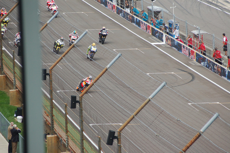 Pedrosa off to an early lead