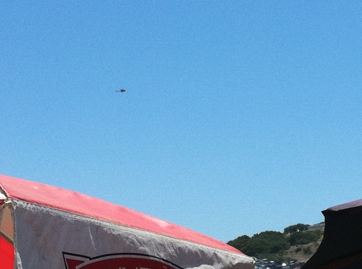 A bit difficult to see, but you can tell that the helicopter is inverted.