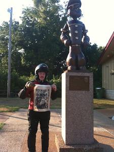 Bonus 139 Popeye Statue