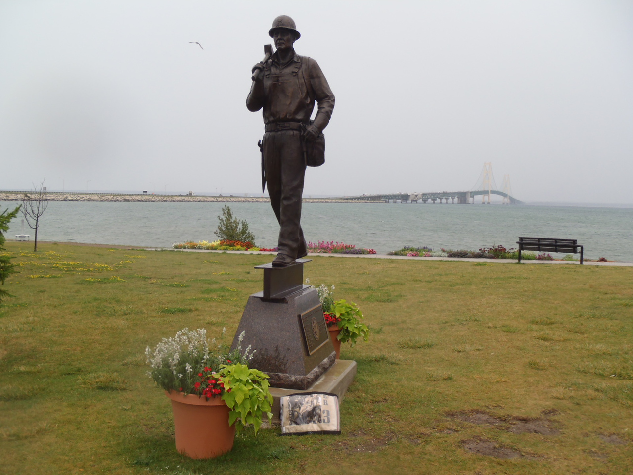 112 Monument to Bridge builders
