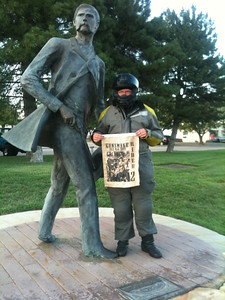 Bonus 203 Wyatt Earp Statue