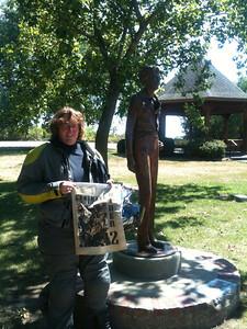 Bonus 006 Amelia Earhart Statue