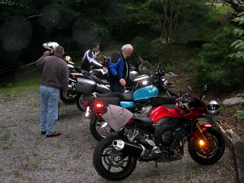 Next morning, gearing up for an early morning ride!
