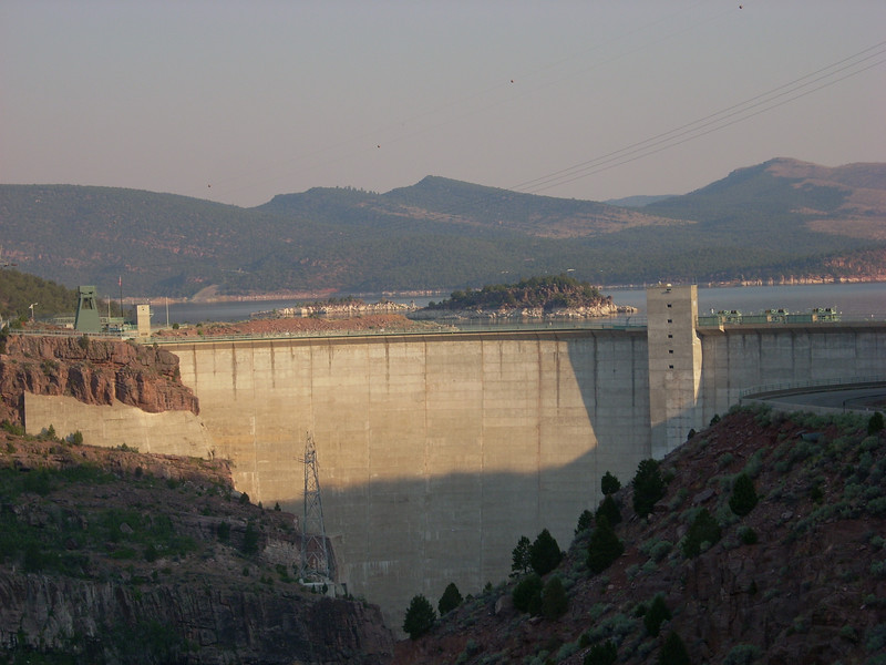 Flaming Gorge dam, WY