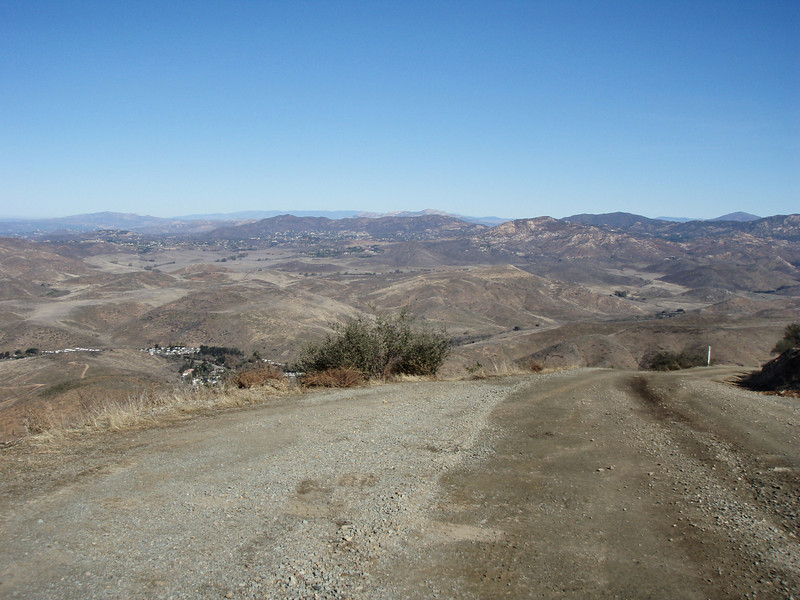 OK, I found a place called Doghouse Junction on a map and told myself, I should go there. So, I took the 15s to the 805 to Telegraph Canyon. Then I took Minnewawa Truck Trail to doghouse Junction. An easy ride with some great views.