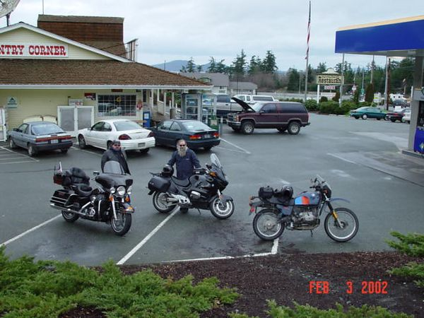 Meeting my friends at the start of the day. Harley Ultra Classic, BMW RT1100, BMW R80GS