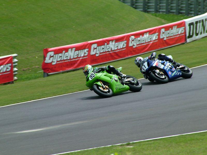 Roger Lee Hayden leads Ben Spies in the Supersport race.