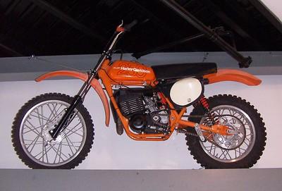 HARLEY 250 MX