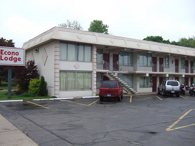 The lovely and high class EconLodge.  Hey it did have Hi-speed internet!