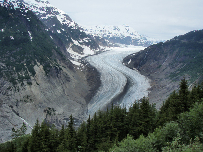 Our first glimps of the Salmon Glacier