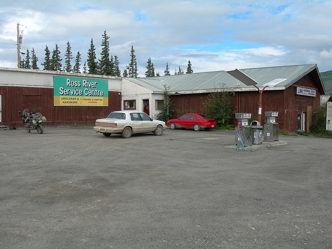 Finally arrived at the tiny village of Ross River at noon. I had driven 255 miles and seen 2 cars! Total isolation. I was very happy to have made it without incident and that the rain had stopped.