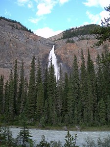 Andy recommended a campsite close to these falls in Yoho National Park. Amazing. Had to leave the bike and hike in about 1/4 mile. Falls were roaring. Crappy pic of amazing falls.