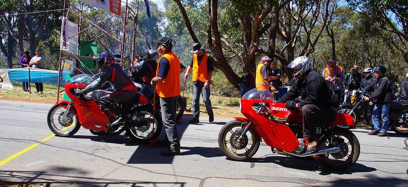 Honda 500 twin, Ducati 860