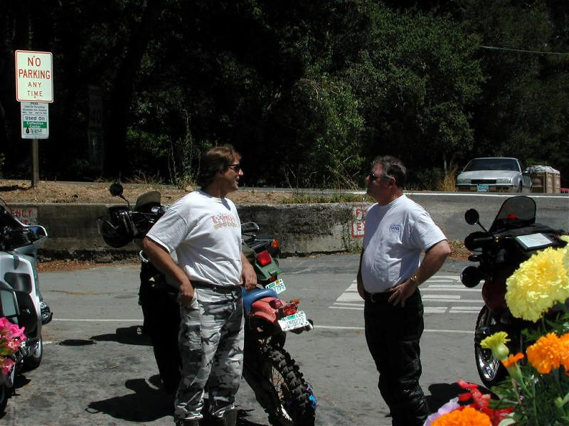 Biffy and Jay discussing the merits of old, dirty XR500s