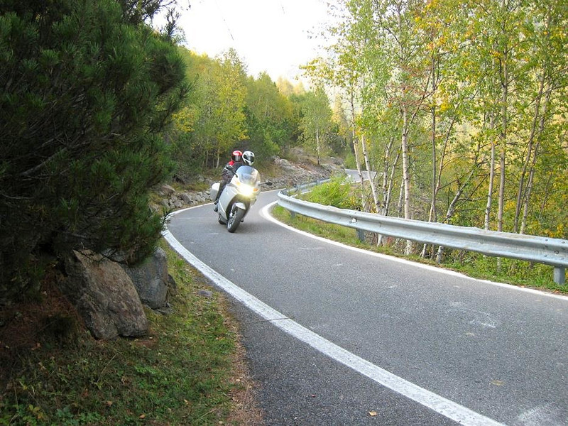 Heading down the north side of the Passi di Vivione Italy - a favorite one laner