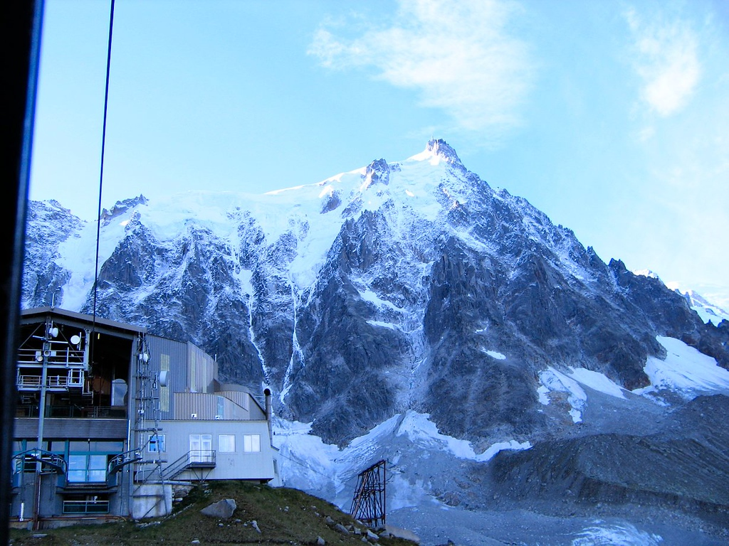 The cable from this mid station to the top of the Aiquille du Midi is the longest single cable in the Alps