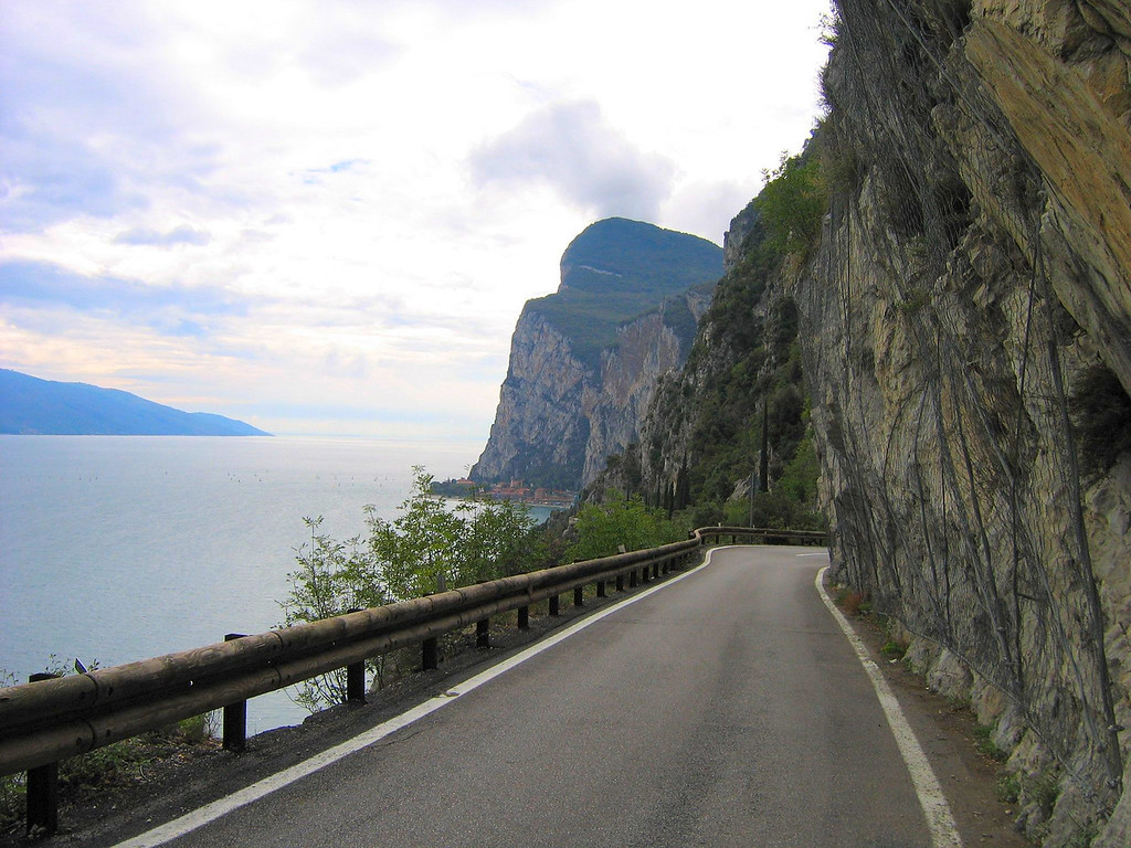 This is about the straightest part of the old road up to Pieve Italy - overlooking Lado di Garda
