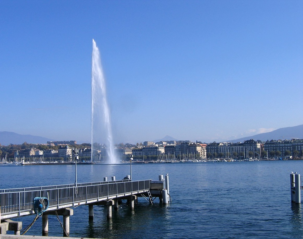 The Jet d'eau fountain in in Lac Leman Geneva, supposedly the 8th most famous fountain in the world - Switzerland