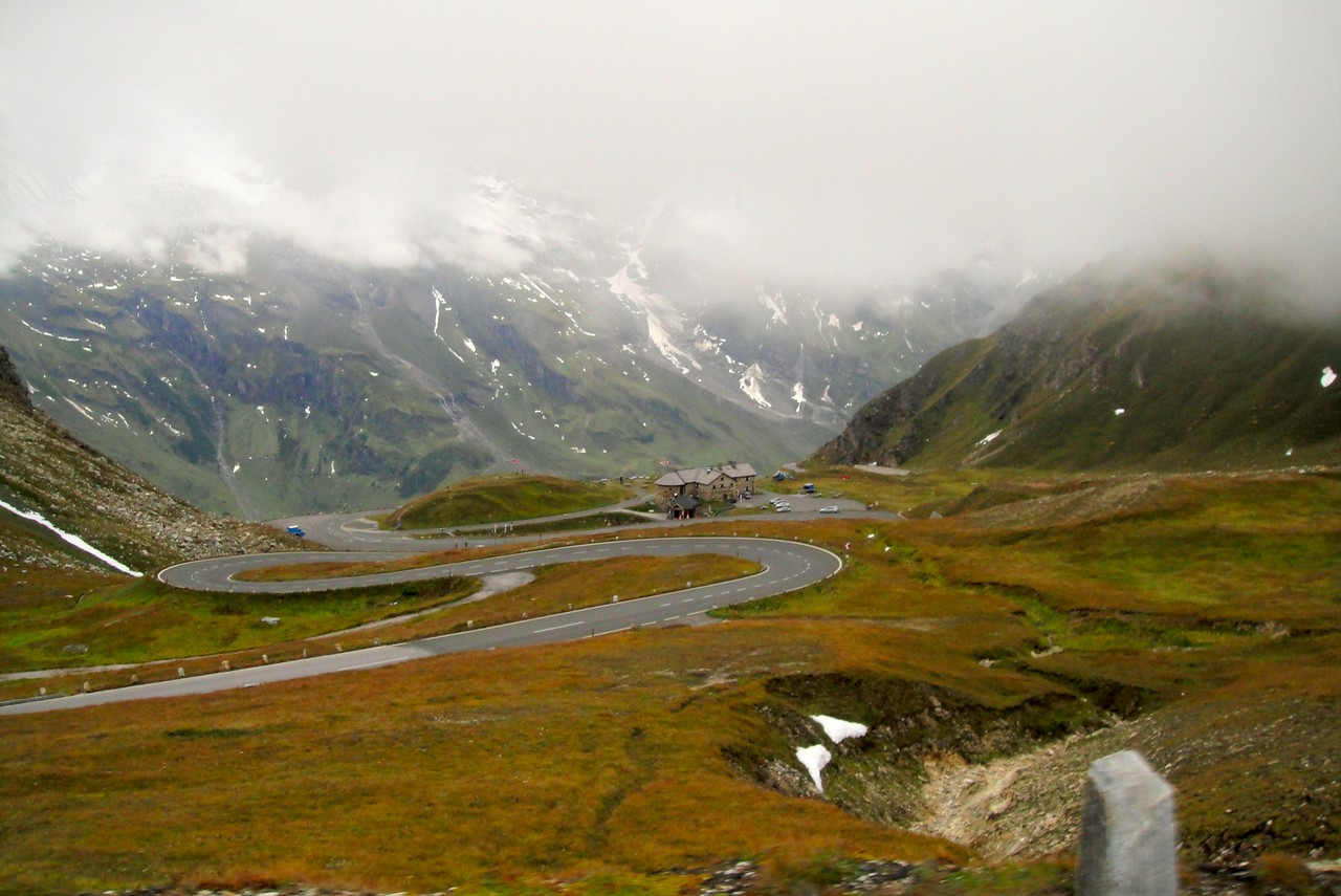 Hot chocolate and croissants – Col du Restefond #5 highest pass